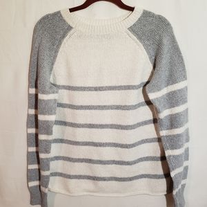 Bass pull over strip sweater size L.